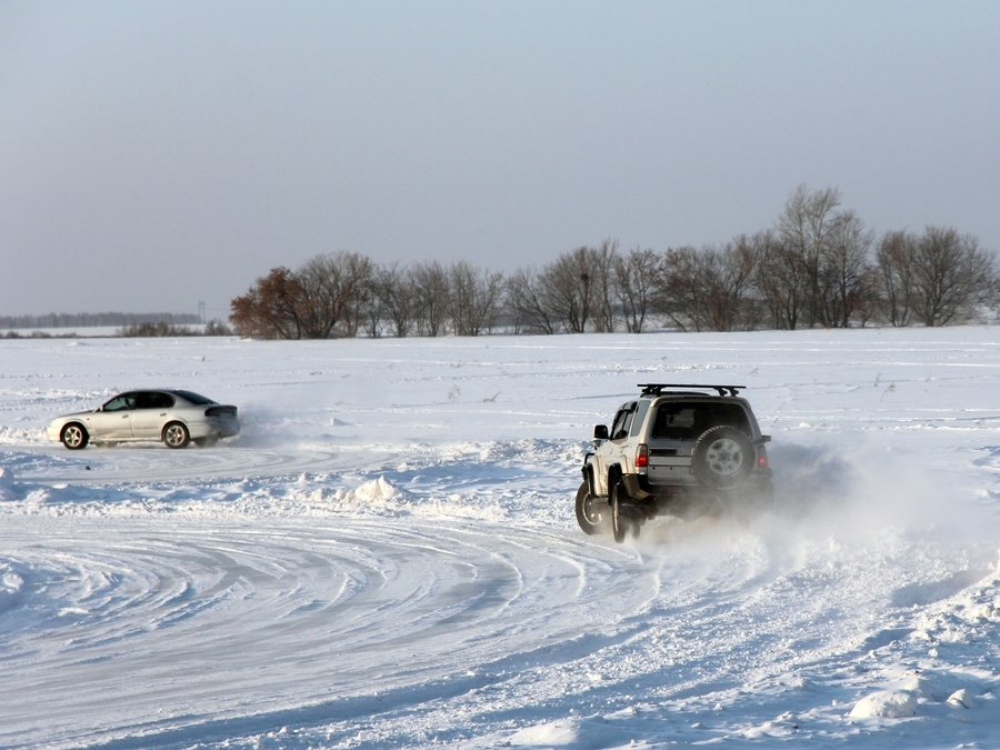 Cars in hazardous winter driving conditions