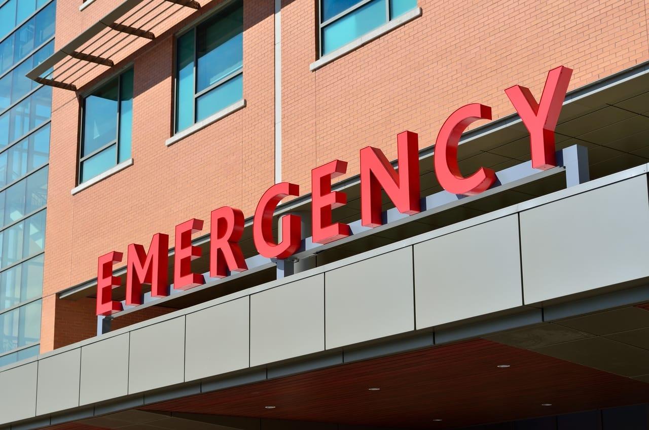 hospital-emergency-sign