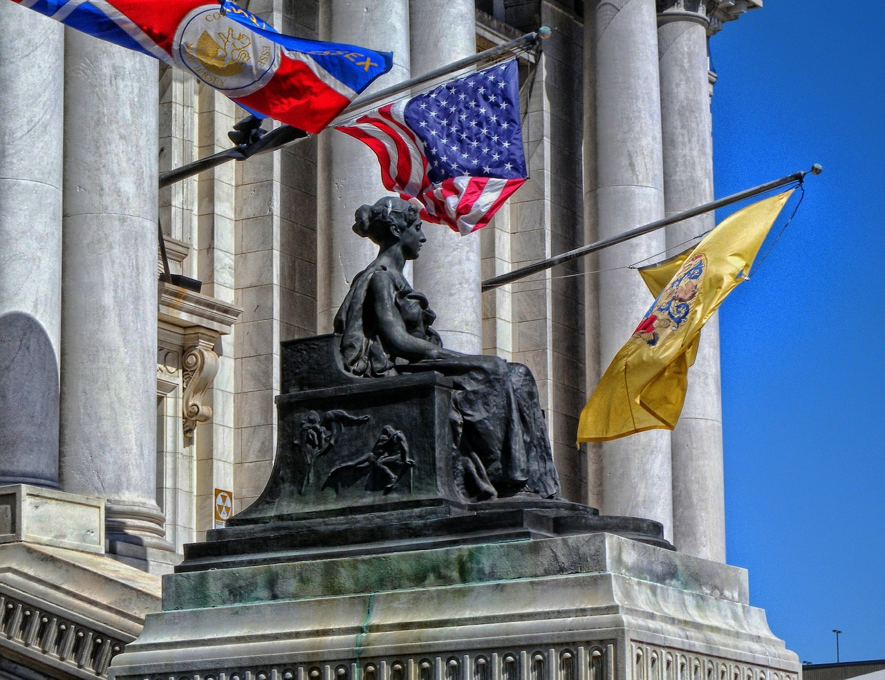 Essex County New Jersey courthouse statute and flags