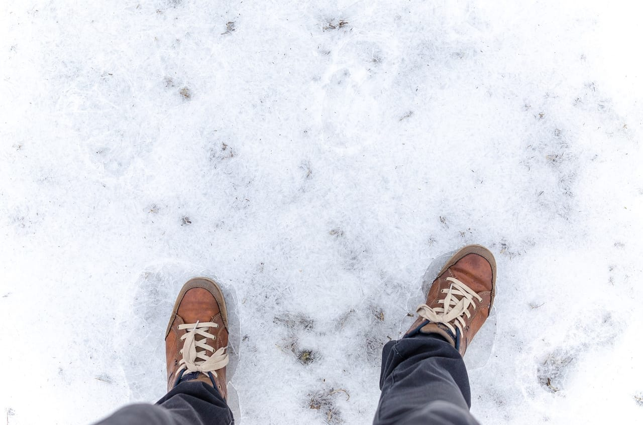 shoes-on icy-ground