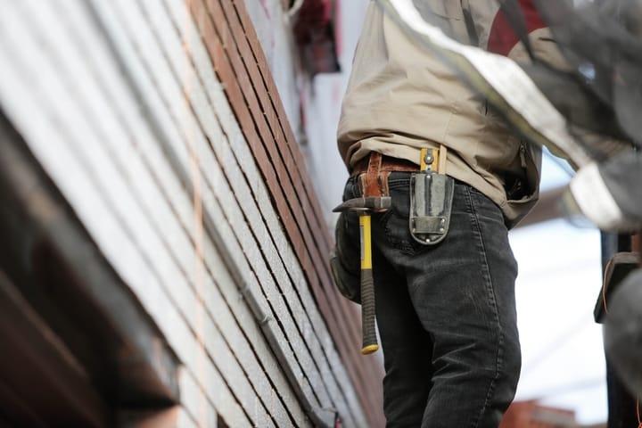 contractor-working